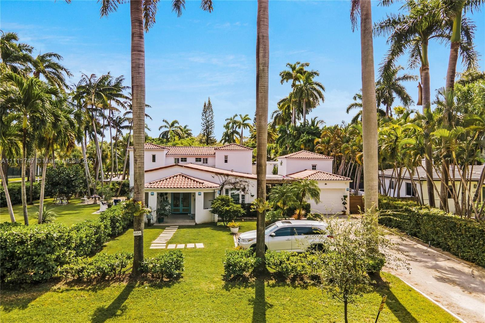 Unique property located in the exclusive and historic site of Morningside, FL.  This 5 bedroom and 4