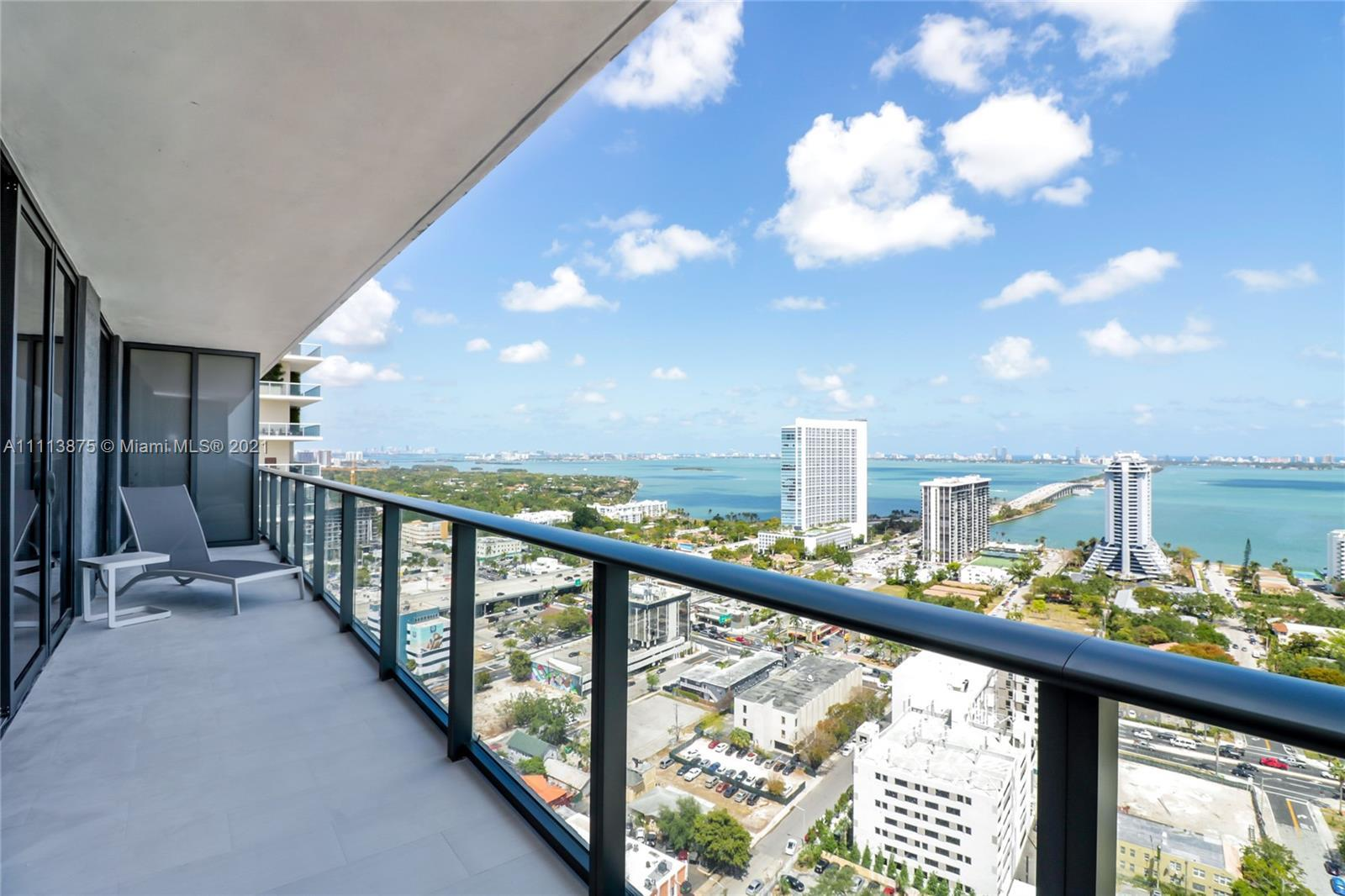 Amazing opportunity to own this beautiful 2 bedroom and 2 bathroom with DEN residence at Hyde Midtow