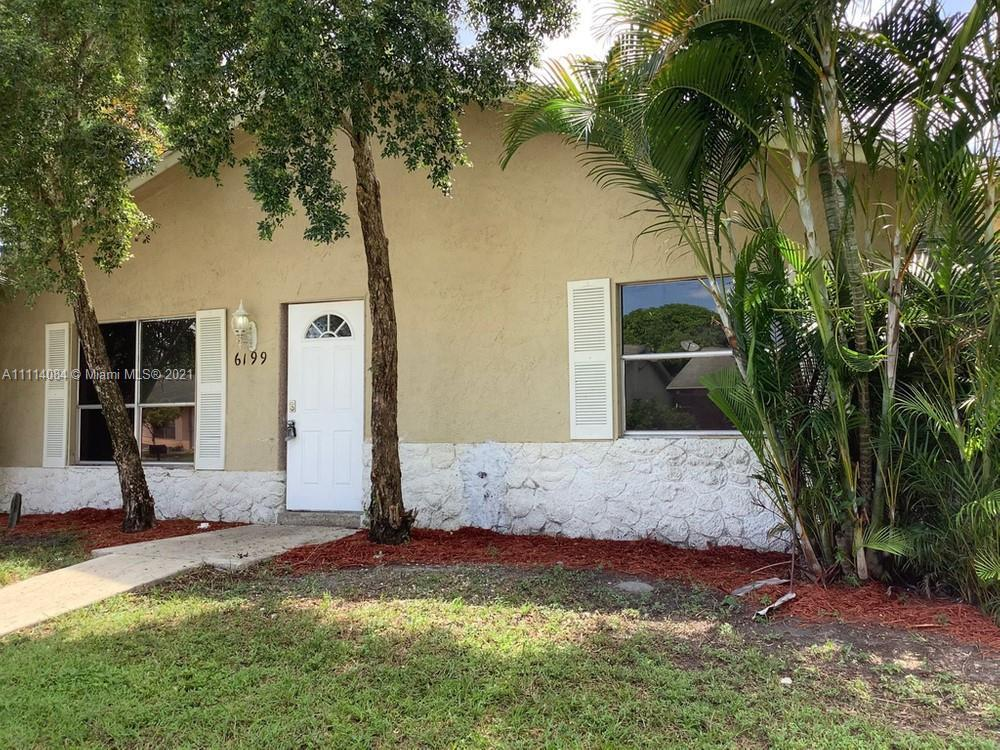 -PHOTOS COMING SOON- Lovely 3 bedroom, 2 bathroom single family home in Lake Worth! This perfect sta