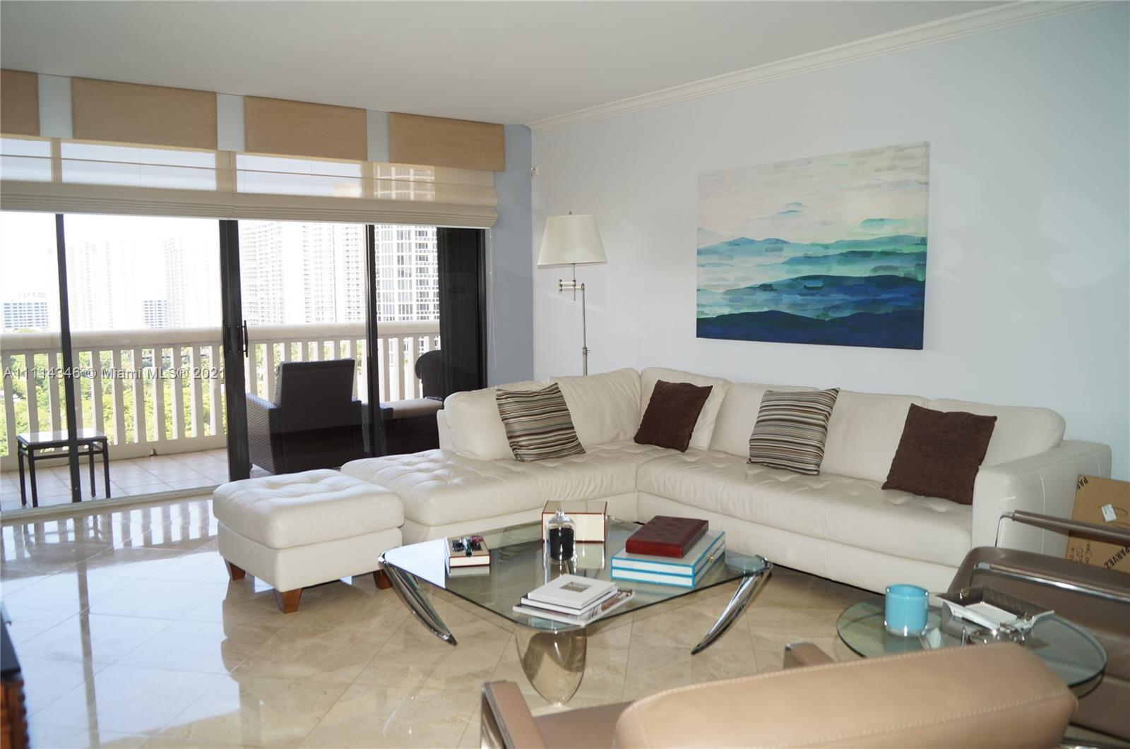 PRICED TO SELL!!! FABULOUS WATER VIEWS FROM THIS RECENTLY RENOVATED 2/2 IN LUXURIOUS WILLIAMS ISLAND