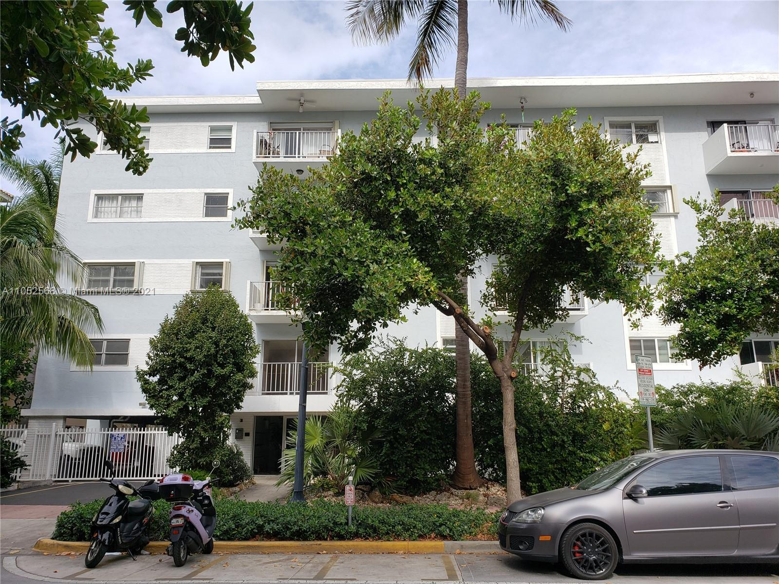 Wonderful unit 1 bedroom; 1 bath. Great Location South of Fifth and better best location in Miami Be