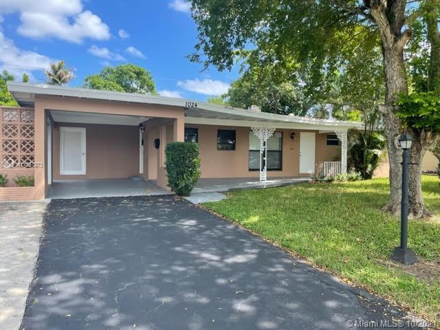 Check out this fully updated home that is a 3 bedroom 2 bath home that has room to fit your trailers