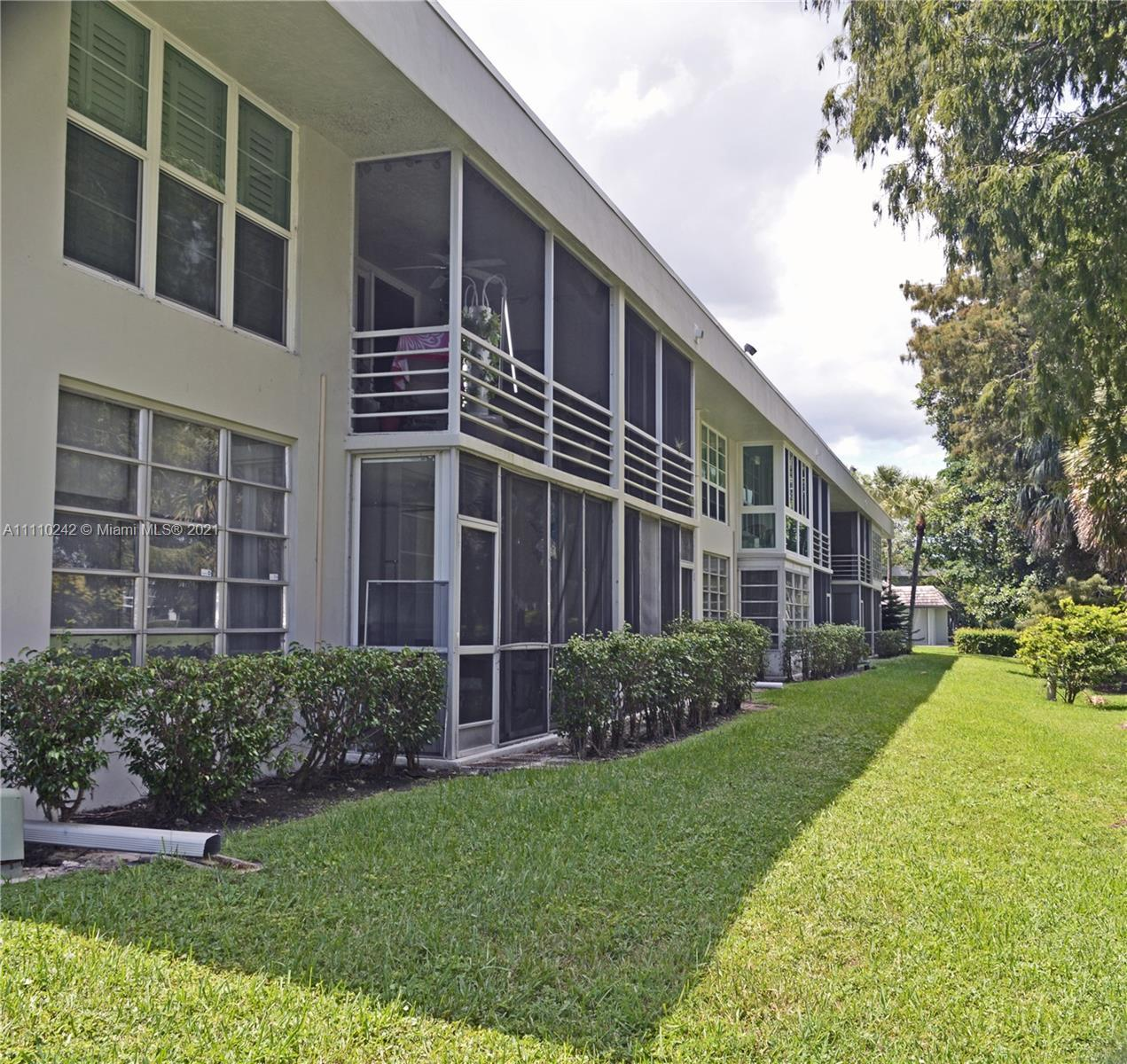 CHARMING UPDATED 2-BEDROOM, 2-BATH GARDEN / GOLF COURSE VIEW UNIT ON GROUND FLOOR. NEWER A/C, FULL S