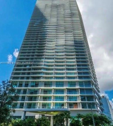 Ocean and canal views, beautiful 3 bed 2 bath in the Paraiso Bayviews luxury condo. Like New This 36
