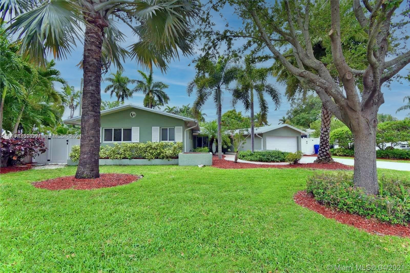 South Florida living with everything you need in this wonderfully updated. New washer dryer, New A/C