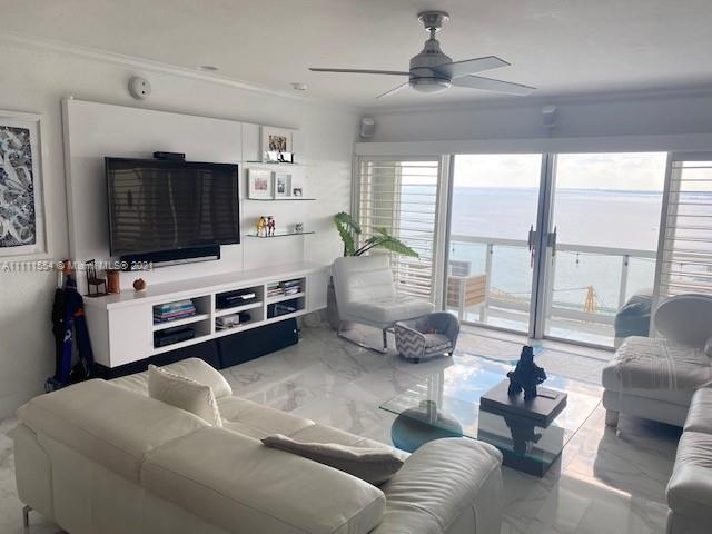 Waterfront condo with a great view of Biscayne Bay located in Brickell Ave. This is your chance to o