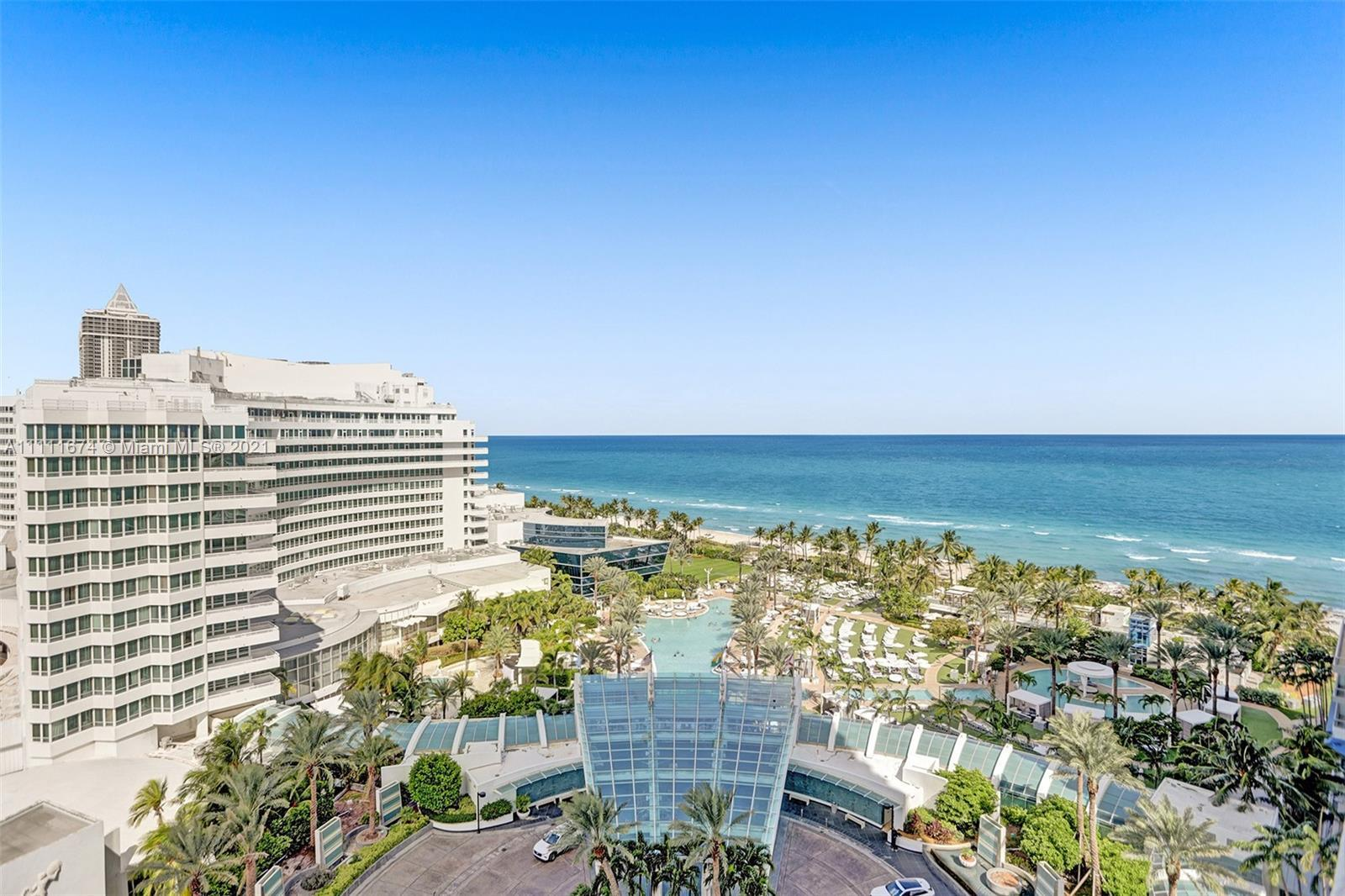 Beautiful Jr Suite w/ocean, bay & city views at Fontainebleau II. Enjoy full service, vacation-style