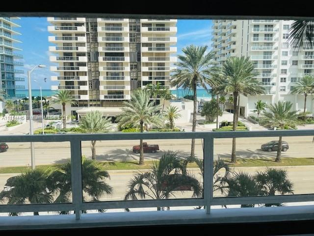Make this condo your dream home right on Millionaires Row! Oversized with over 1000 sq ft and extra