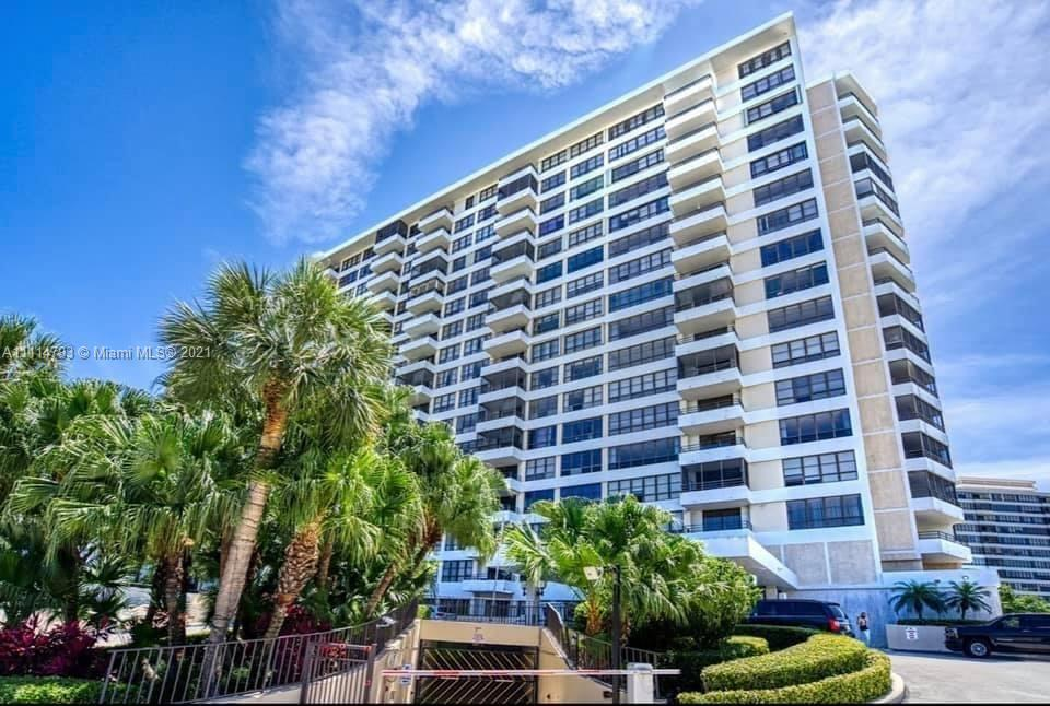 BEAUTIFUL 2 BED 2 BATH CONDO FOR SALE IN HALLANDALE BEACH.WALKING DISTANCE TO GROCERIES,SHOPPING PLA