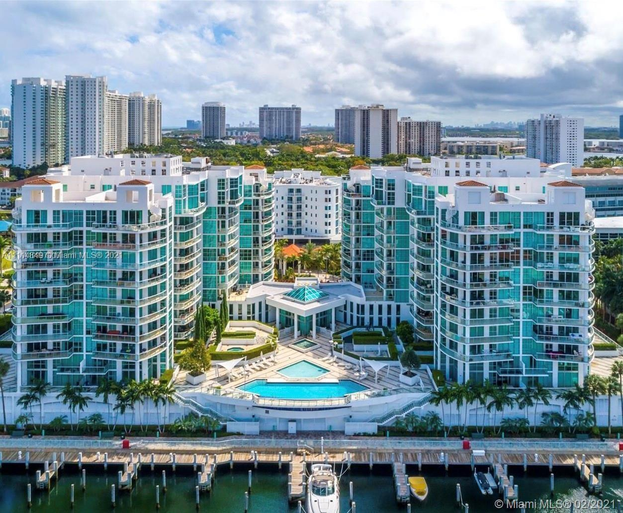 Unique Penthouse with spectacular views of marina and ocean in the heart of Aventura with a private