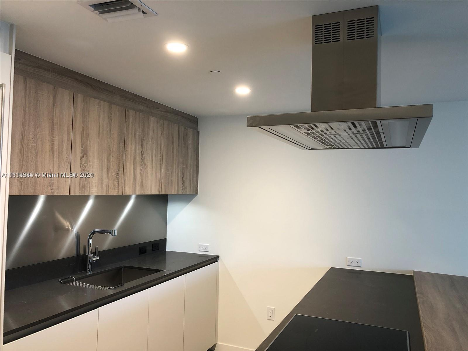 Flatiron Brickell is an elegant and luxurious Condo. Walking distance to Brickell City Centre and am