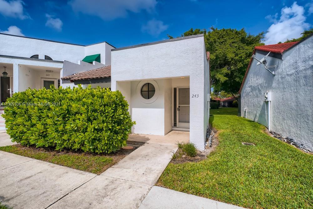 Amazing opportunity to own this updated 1 bedroom, 1.5 bathroom condo in a quiet neighborhood. Upon