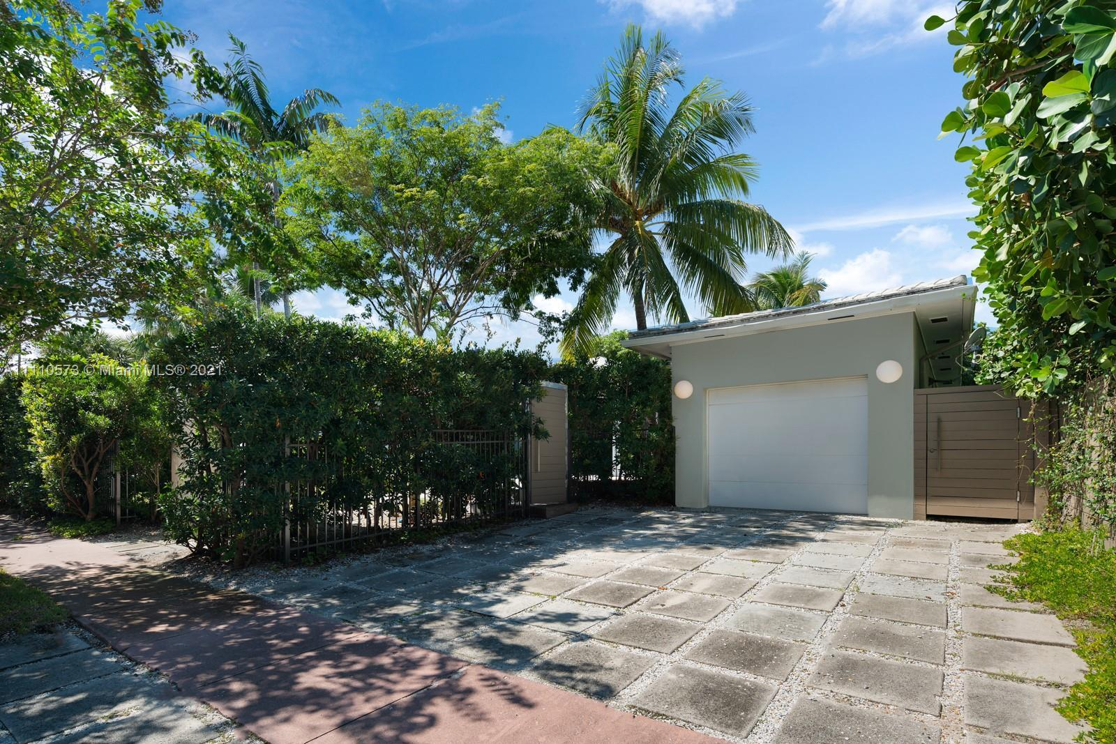 MiMo style 4 bd, 3.5 ba home on Miami Beach's highly-sought Flamingo Drive. The 3,551sf home boasts