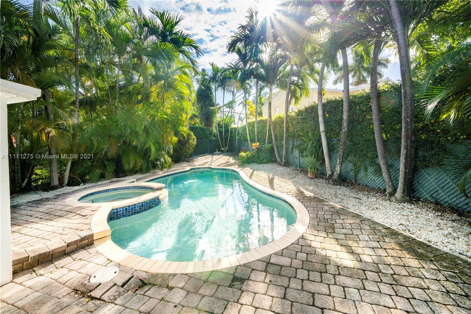 """""""CATCH A WAVE AND YOU'RE SITTING ON TOP OF THE WORLD!"""" The perfect Miami Beach bungalow- 3 bedrooms"""