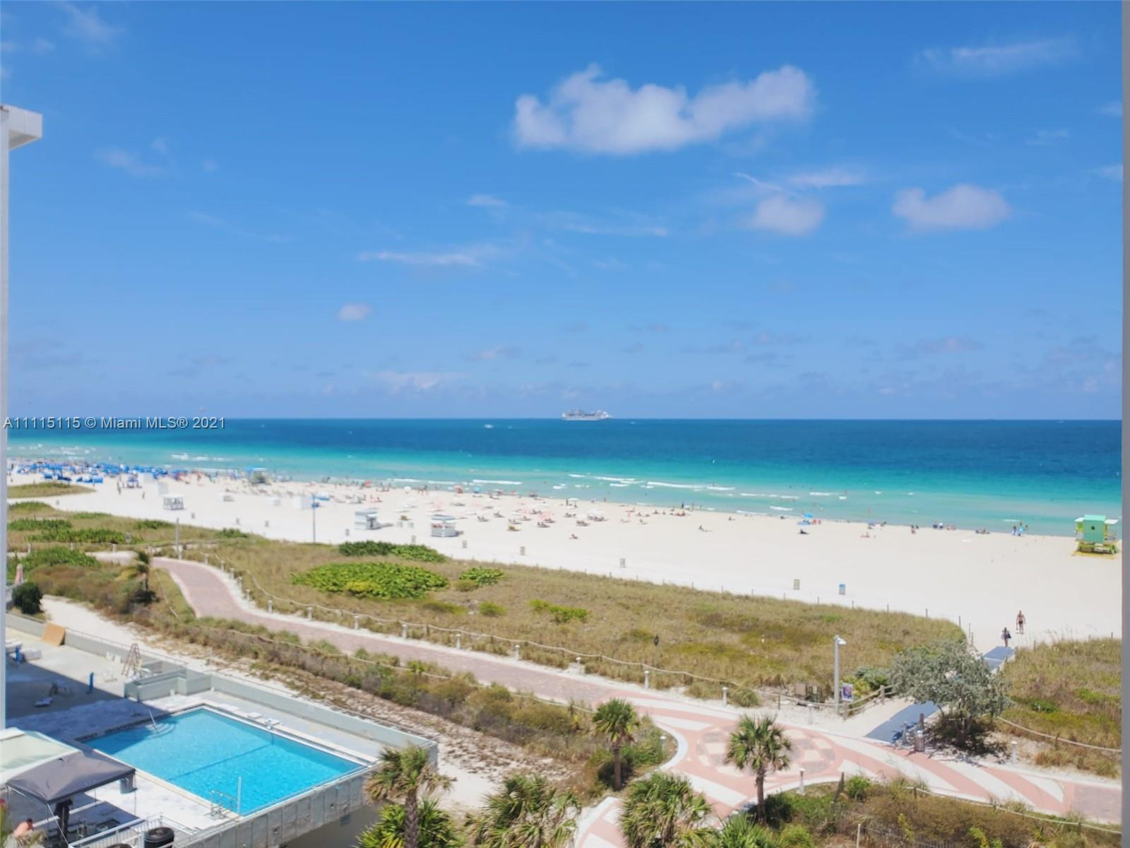 SPECTACULAR STUDIO IN THE HEART OF SOUTH BEACH WITH BREATHTAKING OCEAN AND CITY VIEWS!!! COMPLETELY