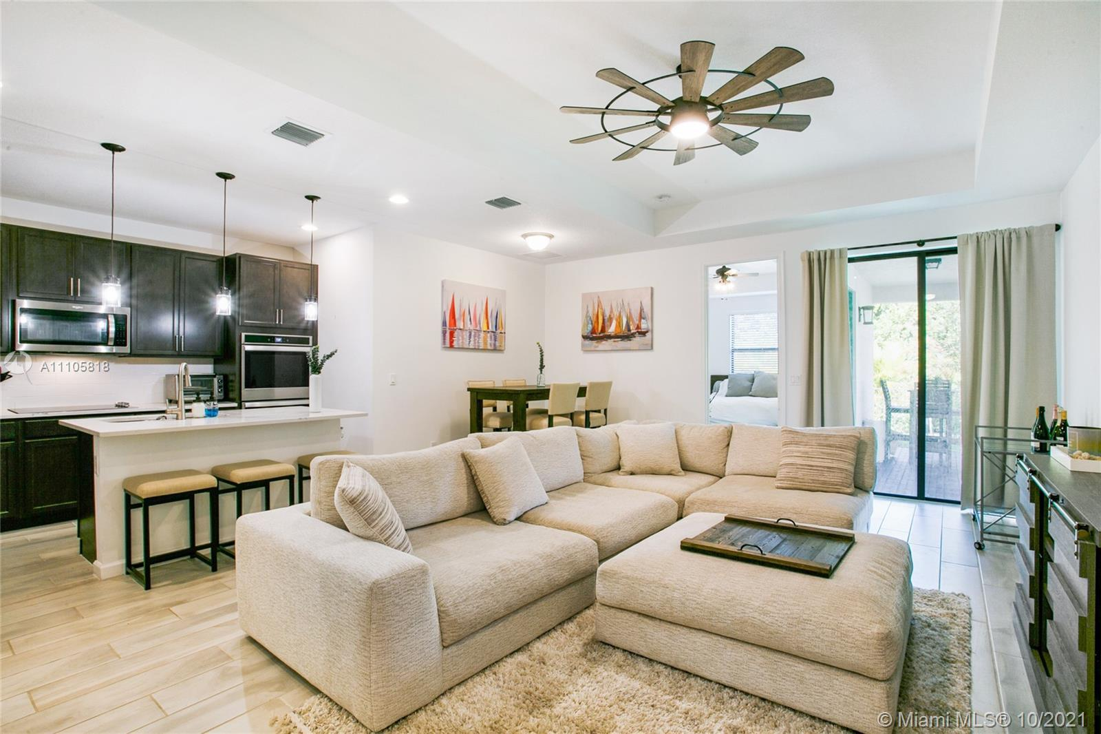 Welcome to Vantage at Palm Aire, a new gated Single Family Home development located in Pompano Beach