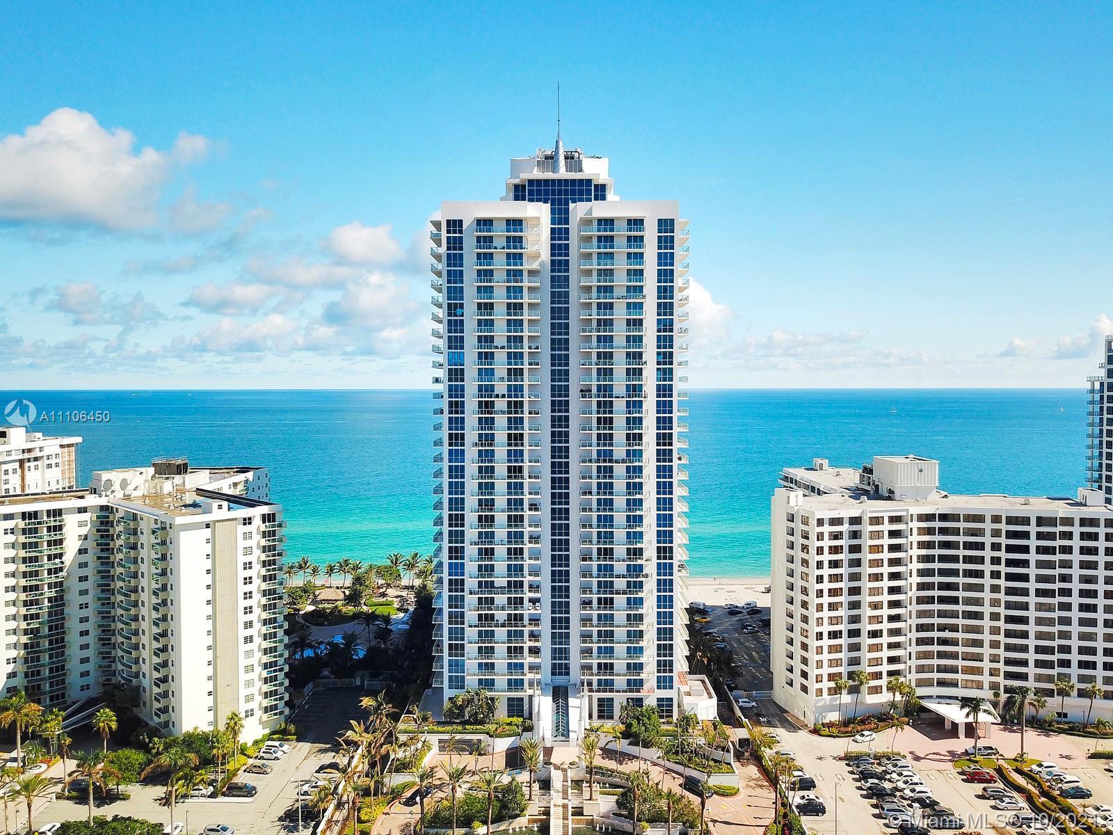 Oceanfront building with great amenities ( doorman, valet, outdoor bbq area, clubroom, tennis court,