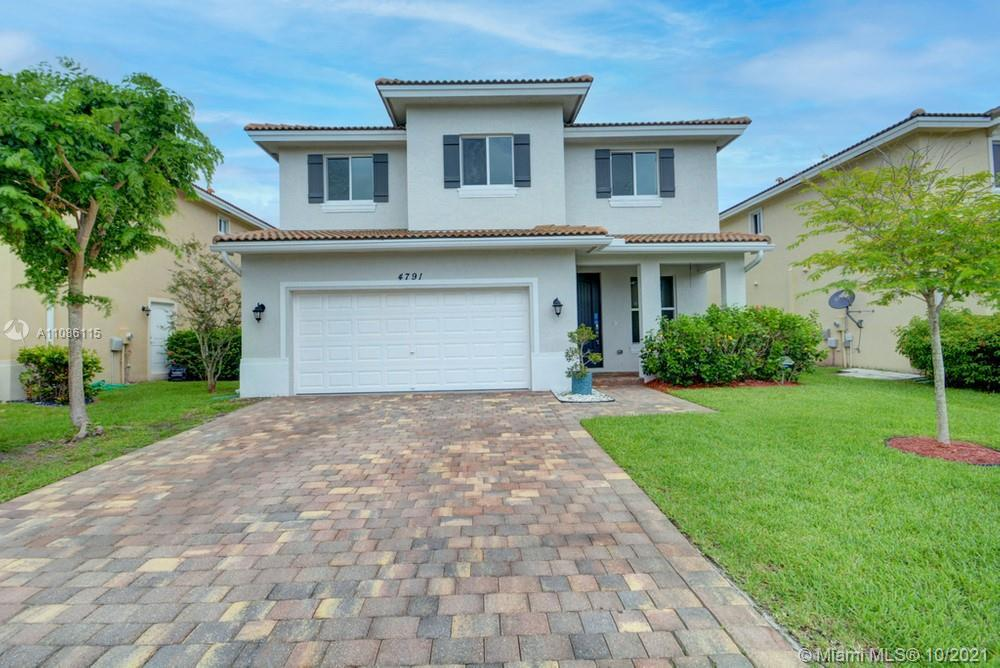 Lovely 5 bedroom, 3.5 bathroom single family home in Lake Worth! This perfect starter home or invest