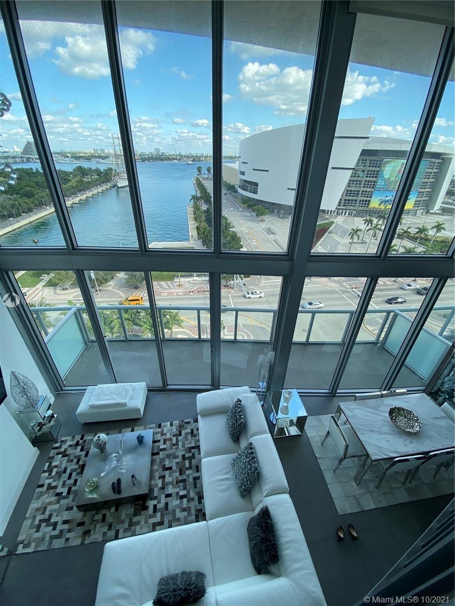 2 STORY LOFT. FLOOR TO CEILING WINDOWS.DIRECT BAY VIEW. ACROSS FROM AA ARENA! PERFECT LOCATION TO WA