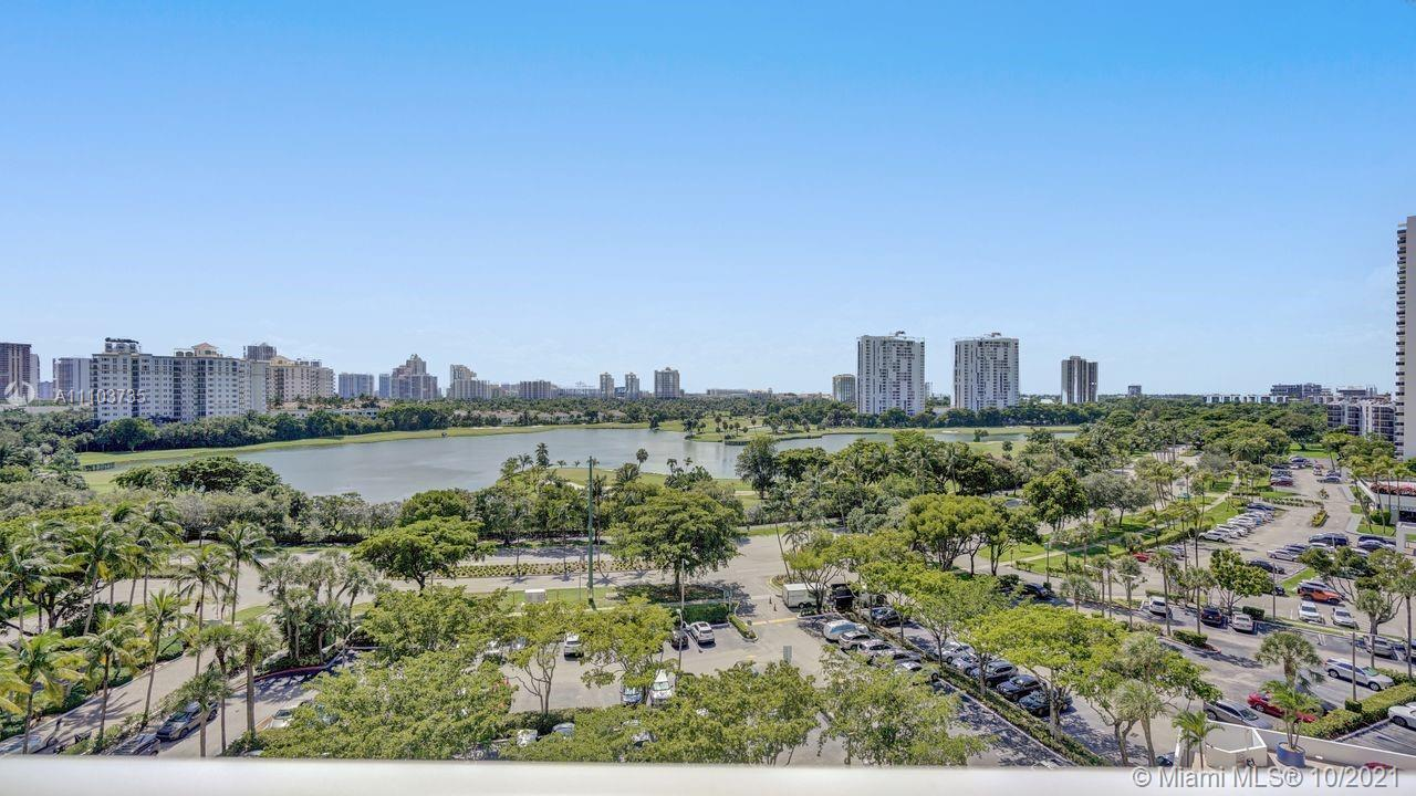 THIS SPACIOUS AND BEAUTIFUL 10TH FLOOR 2/2 UNIT W/BEST FLOOR PLAN OFFERS STUNNING, DIRECT 5 STAR TUR