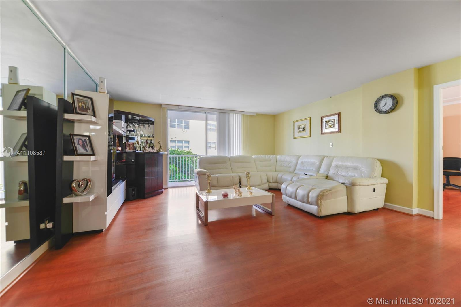 Gorgeous 2BD/2BA with enormous Balcony at the Golden Surf Towers Condominium. Beautiful intercoastal