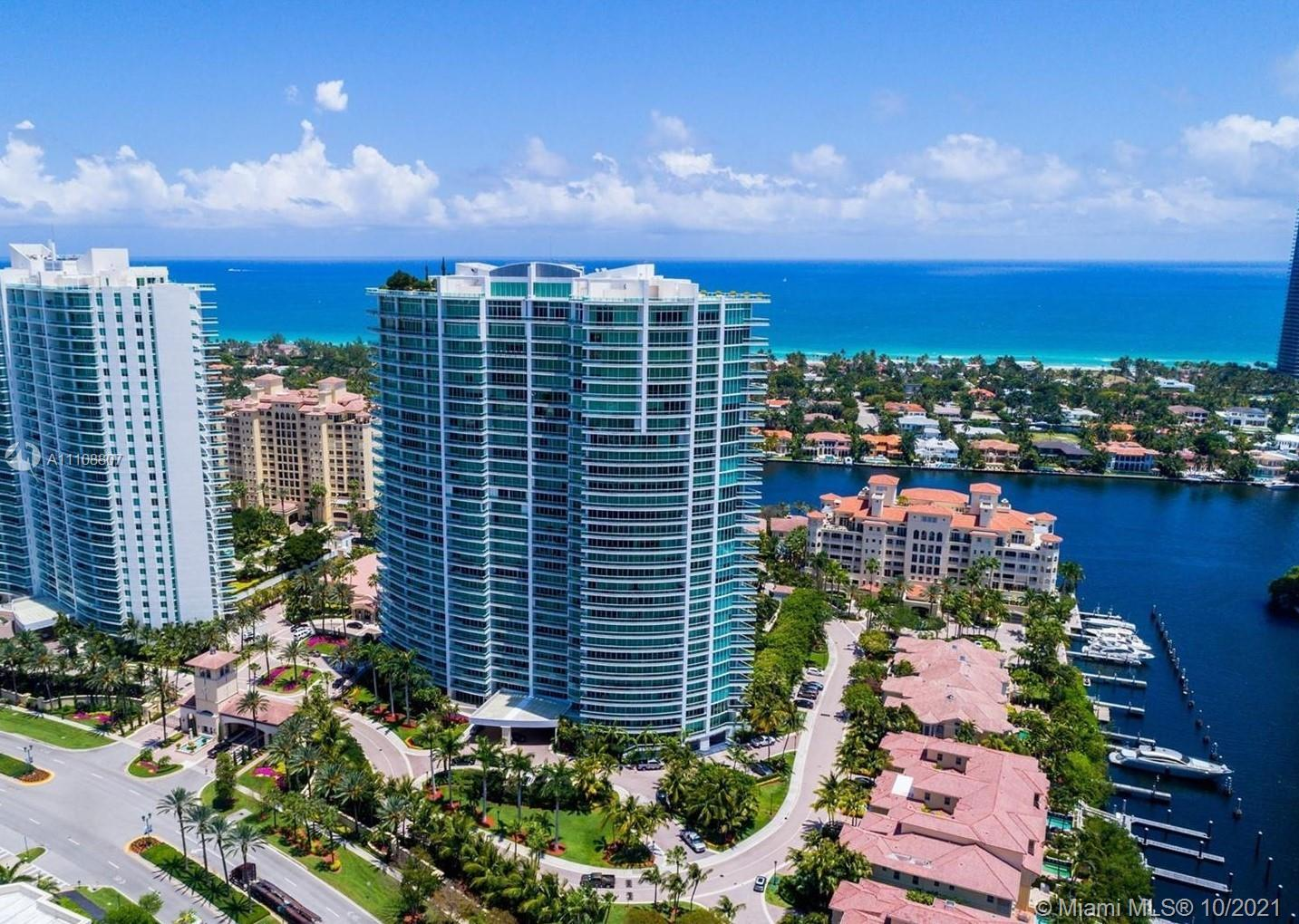 Currently rented, excellent investment opportunity. Panoramic views of the Atlantic Ocean, Intracoas