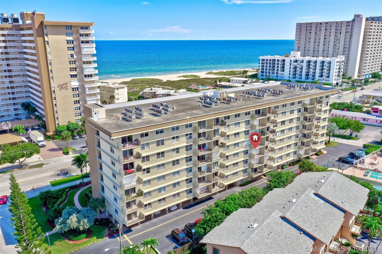 Beautiful Cozy 1/1.5 Bath Condo across from the Beach in Pompano Beach. Enjoy your sunsets from your