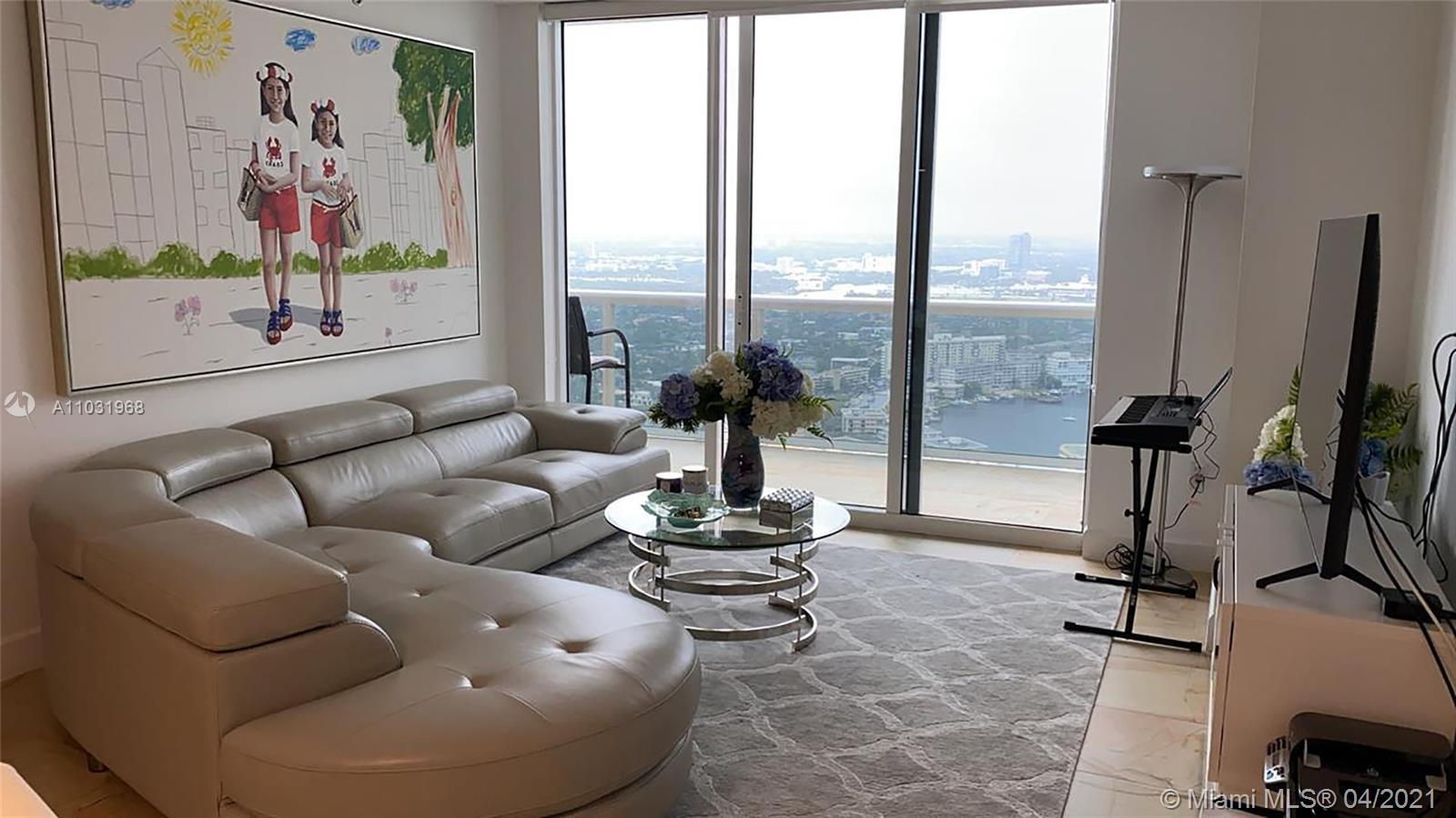 Enjoy breath taking  Intracoastal views, from your amazing professionally decorated penthouse. 3 bed