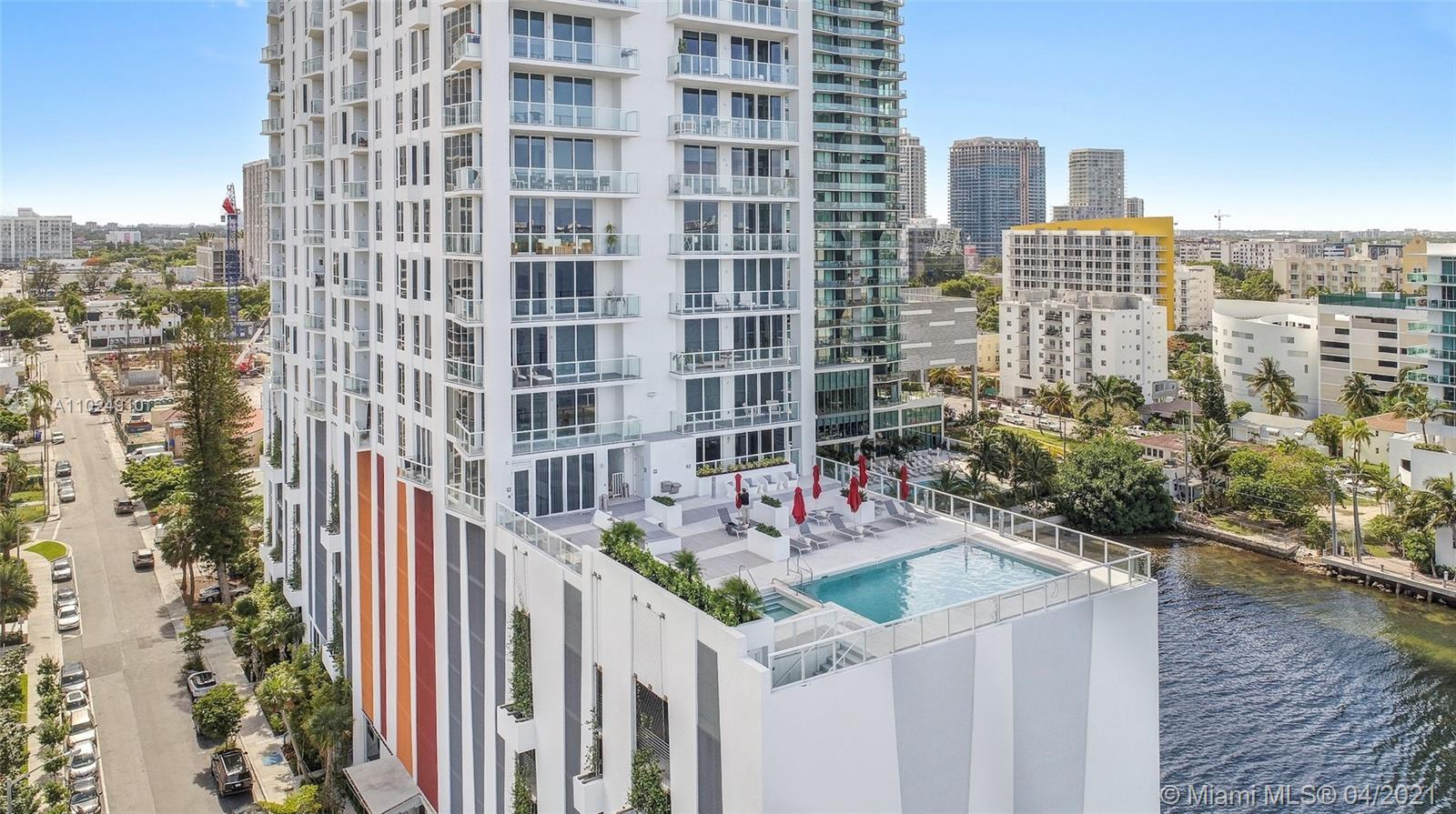 GORGEOUS 1BED/1BATH UNIT WITH HIGH END LUXURY FINISHES SUCH AS BOSH APPLIANCES, ROLLER SHADES, MARBL