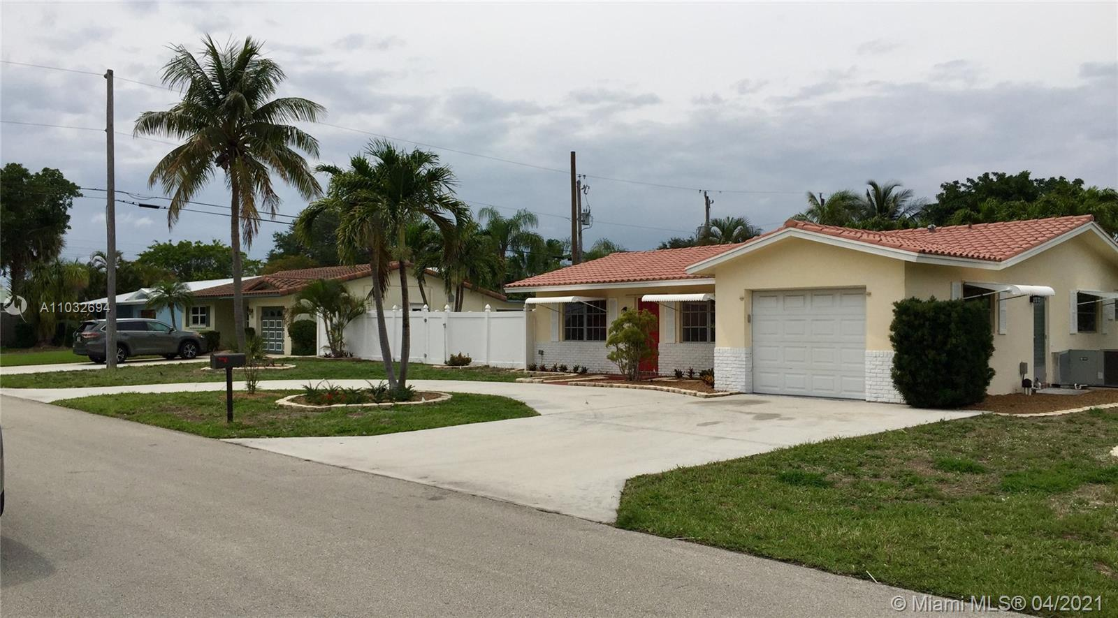 3BR/2BTH pool home in East Boca. less than a mile or minutes to the beach, the best schools, I-95 an