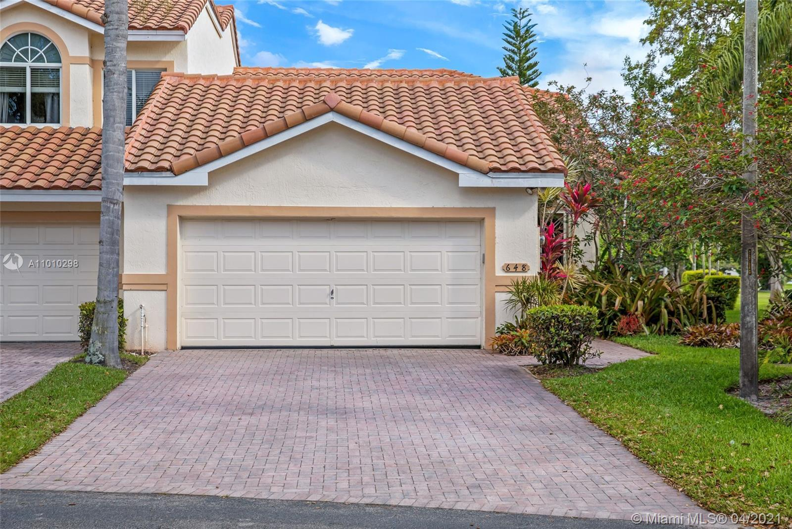 Great Corner Townhouse 3 bedroom 3 full baths & powder room. Open living area with volume ceiling. M