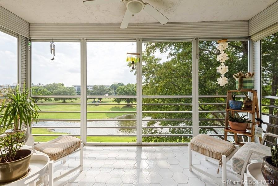 WATERFRONT CORNER UNIT   Well appointed, Contemporary, Spacious 3-Bedroom, 2-Bath Condo in Country C