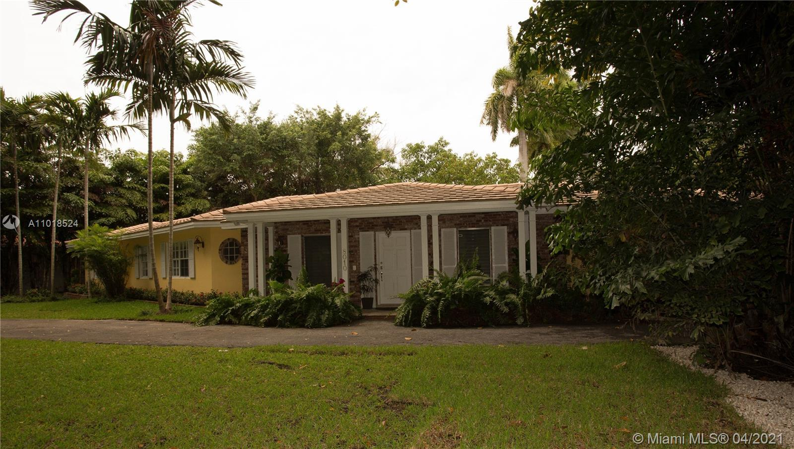 """Rare opportunity in Coral Gables,  16300 sqf in the prestigious  """"Platinum Triangle"""". This 4/3 with"""
