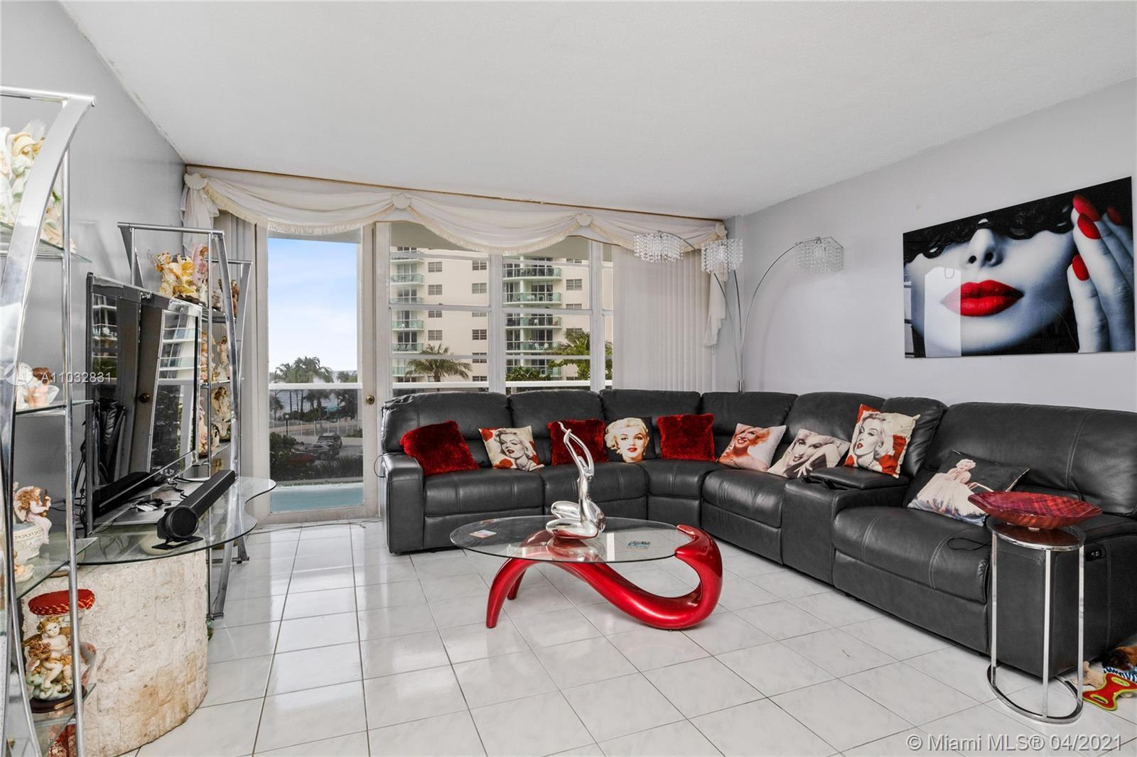 Amazing opportunity on Hollywood beach. 2/2 ocean front condo with tons of space, amazing kitchen, H