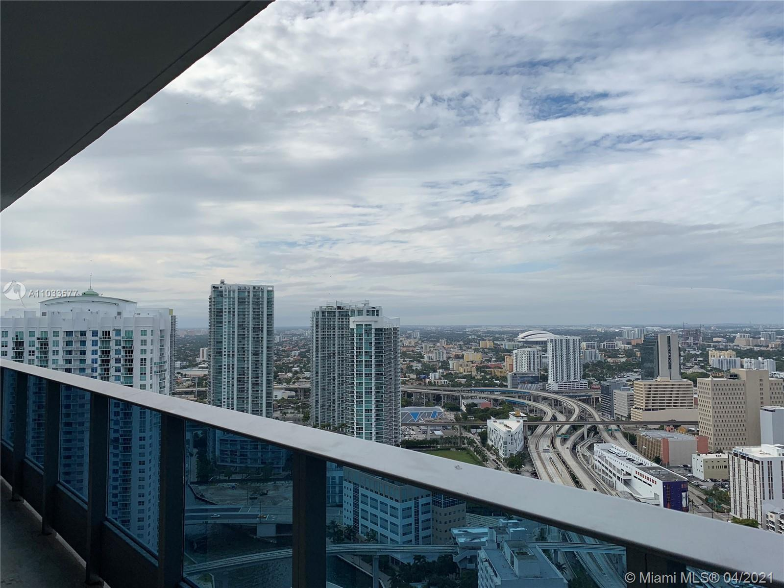 Stunning unit in desirable Epic Condo with AMAZING city views. Enjoy state of the art kitchen with s