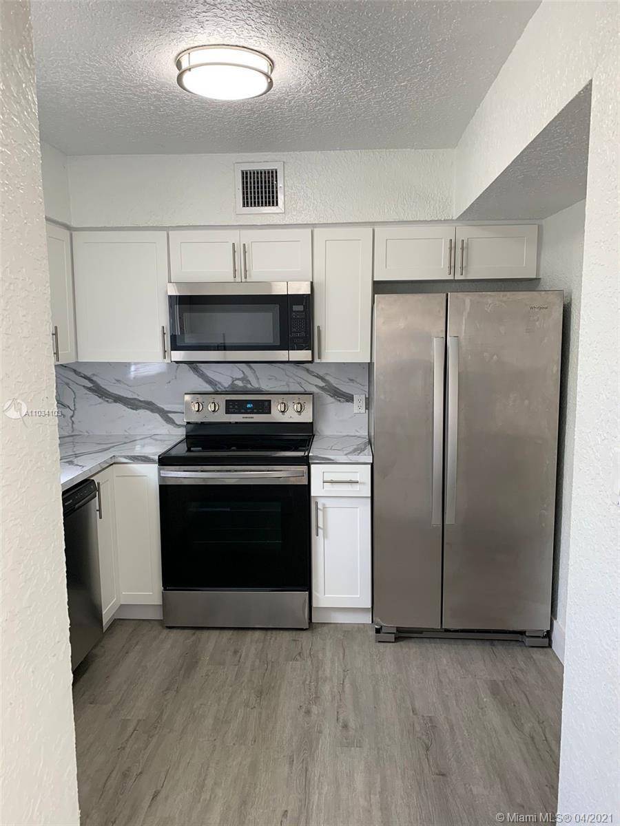 Fully REMODELED Home at quiet neighborhood in Hollywood . MOVE-IN READY! New Ac unit inside , new wa