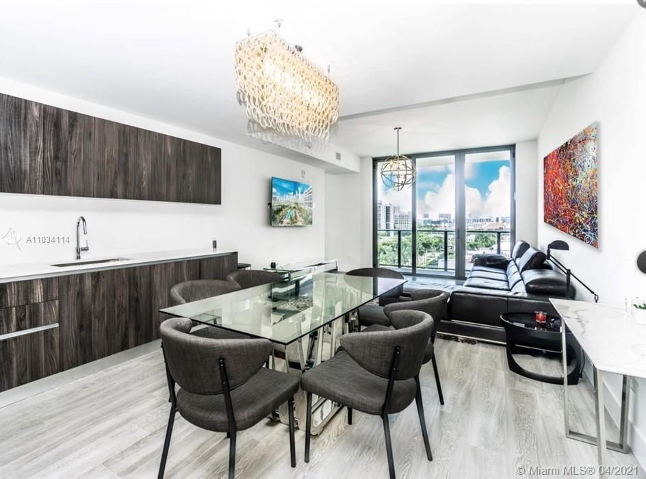 A MUST SEE!!! GREAT LOCATION! THE NEWEST BUILDINGS IN AVENTURA. 2 BEDROOM PLUS DEN. 2 BATHROOMS. HAR