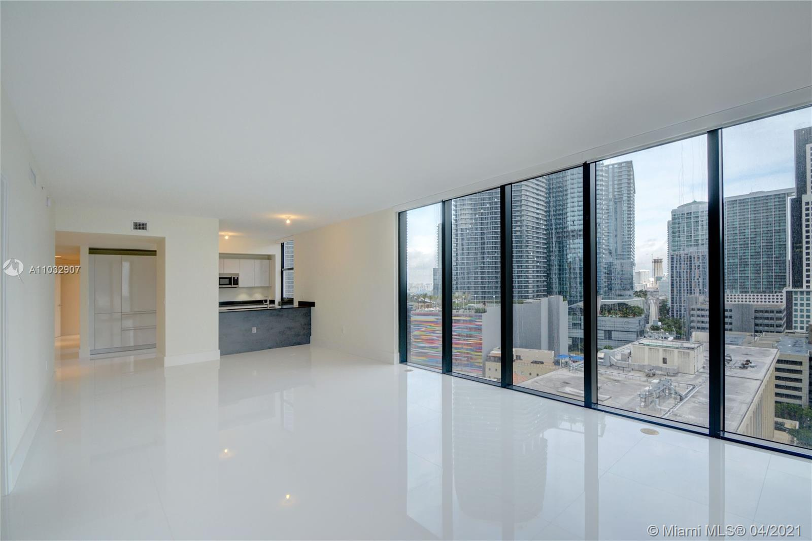 1010 BRICKELL OFFERS STATE OF THE ART AMENITIES FOR ALL AGES: POOL DECK AND LOUNGE, FITNESS CENTER,