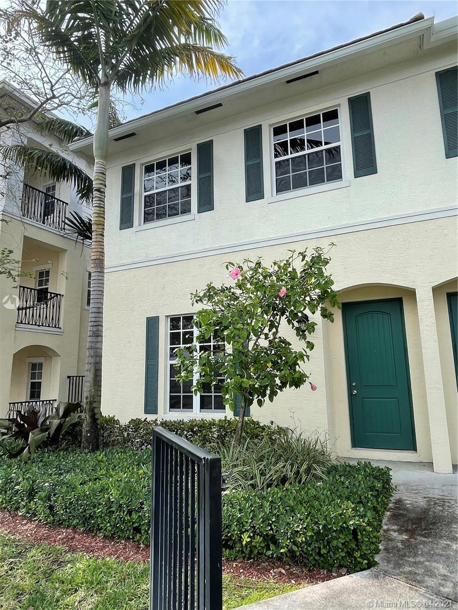 RUN DONT WALK TO SEE THIS THREE BEDROOM, TWO AND HALF BATH CORNER UNIT TOWNHOME IN DESIRABLE ORCHID
