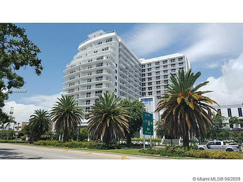 UPGRADED COSMOPOLITAN CONDO 2BED/2BATH No carpet! Stunning Porcelain floor throughout! w/EXTENDED LA
