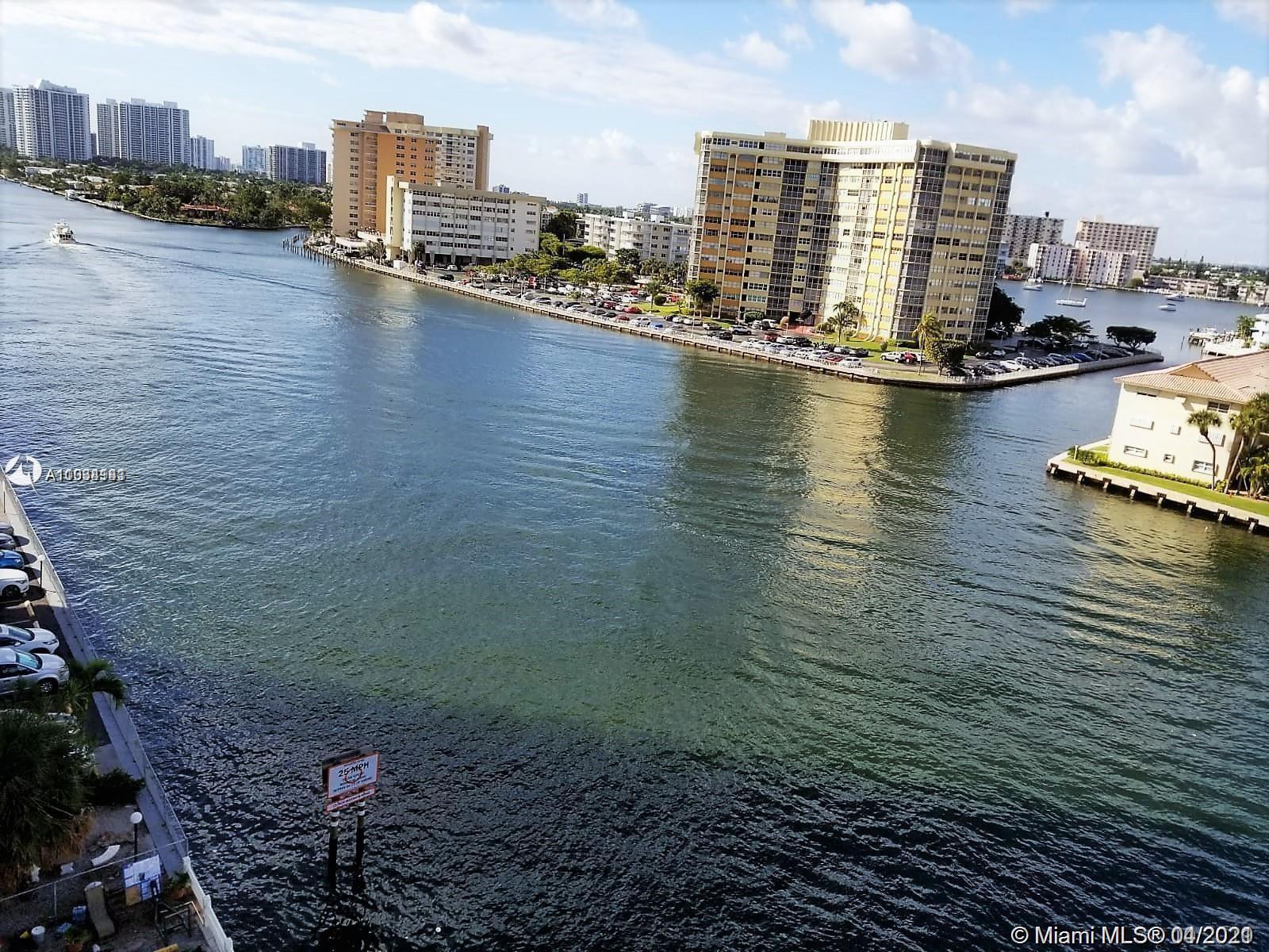 STUNNING INTRACOASTAL VIEWS FROM THIS BEAUTIFUL TURN KEY APARTMENT, FULLY REMODELED. VERY SPACIOUS U