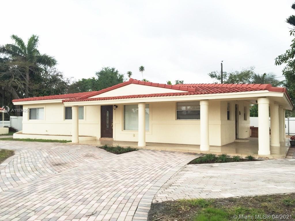 Great updated house in Wilton Minor. Huge corner lot. Updated kitchen, bathrooms. Huge additional ro