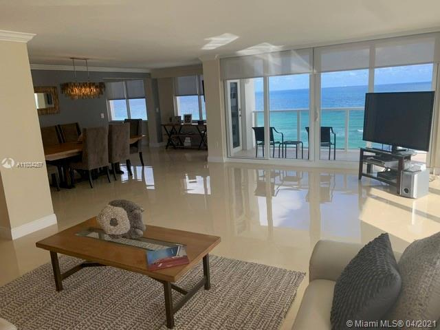 DIRECT OCEAN VIEWS: IMPACT WINDOWS AND SLIDERS THROUGHOUT THE WHOLE UNIT, CORNER UNIT OFFERING WRAP