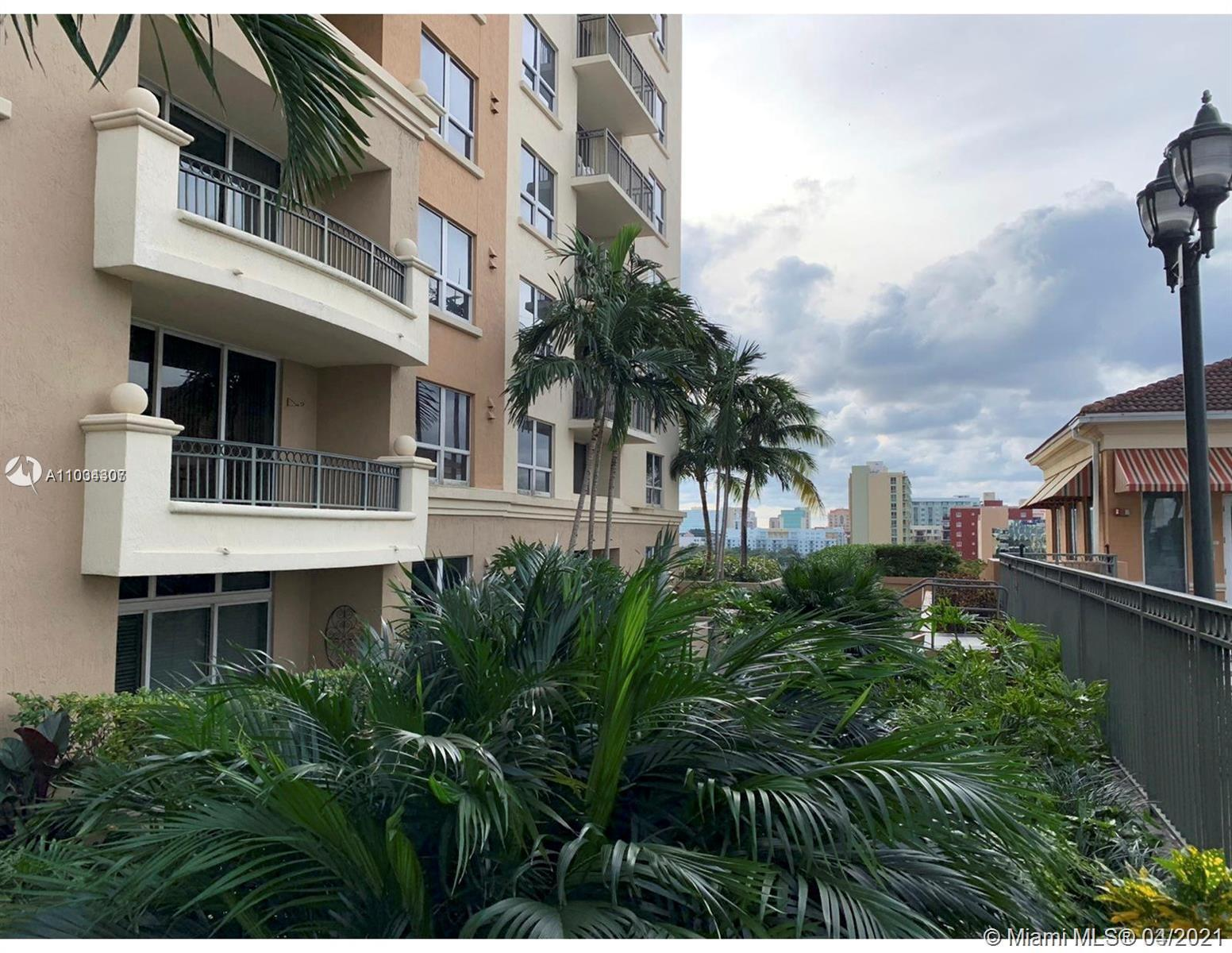 Amazing corner unit with City and pool views. 2/2 & 1 cover/secure assigned parking. Updated with n