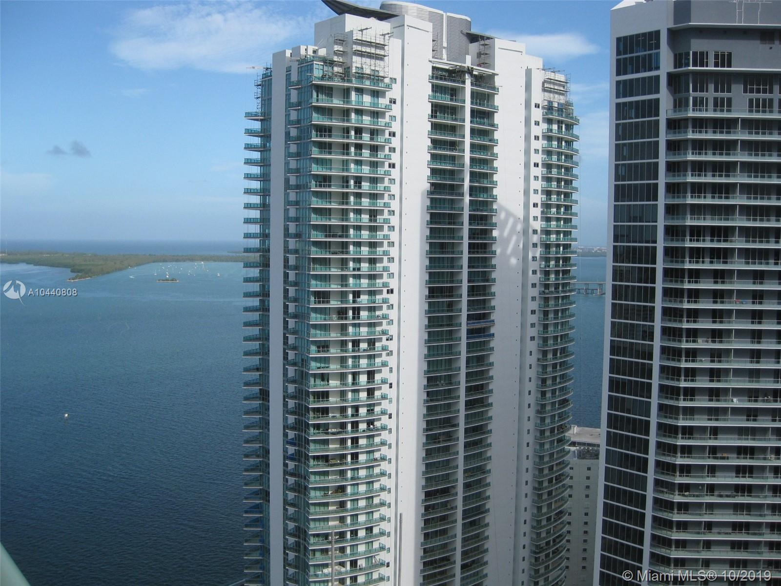 Excellent condo! 1 bedroom / 1 bath in the heart of brickell. Located just minutes away from the bea