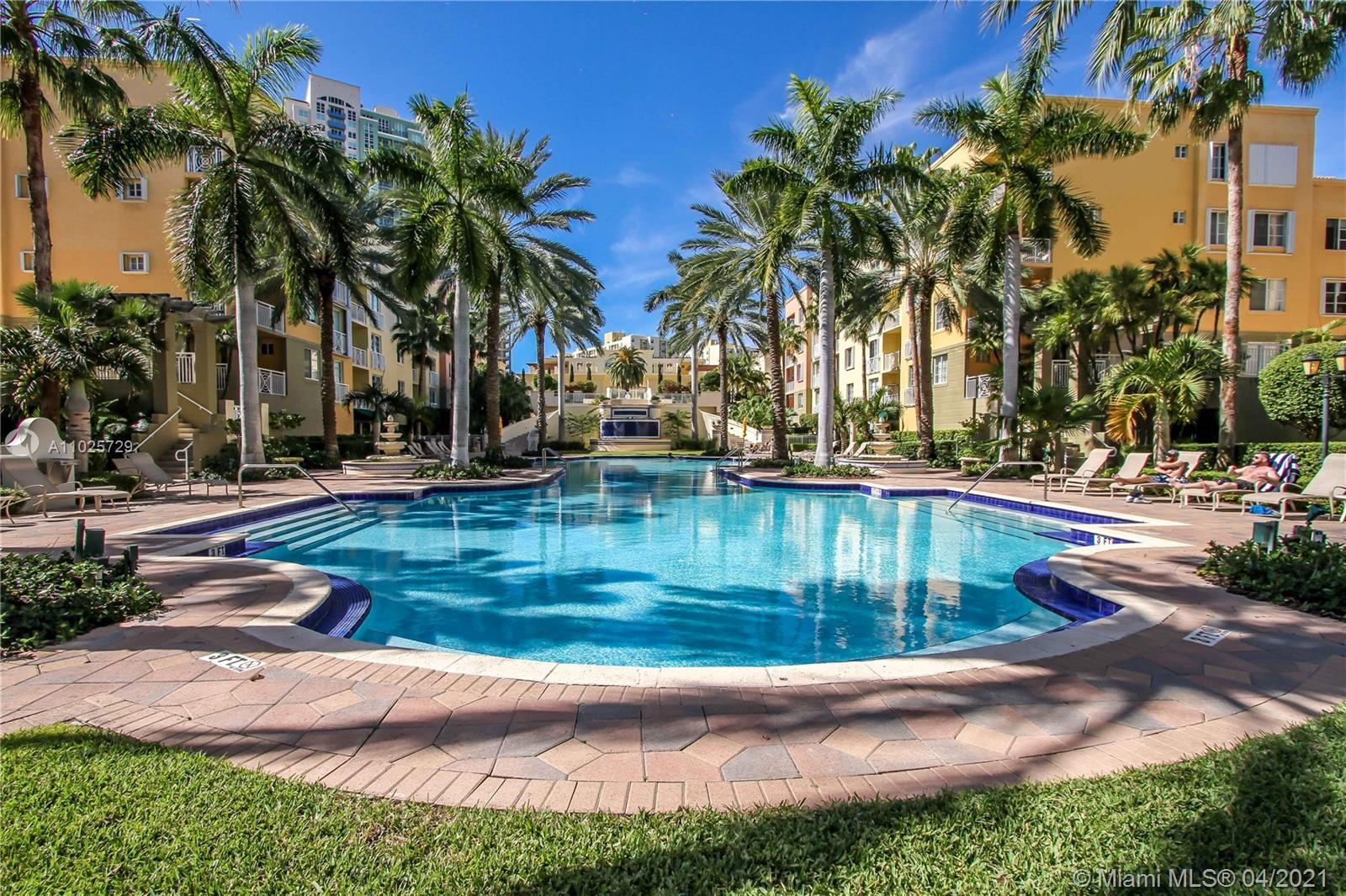 Beautiful 2 bedroom/ 2 bathroom unit with southern exposure overlooking the Grand Piazza pool area.