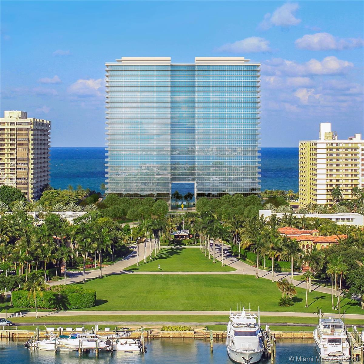 Oceana Bal Harbour: Amazing 1+DEN with unobstructed views to Bay, Marina and City. Deep terraces to