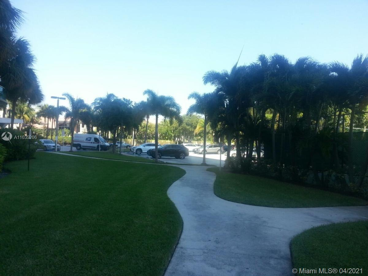 ABSOLUTELY PERFECT CONDITION 1ST FLOOR APT IN OCEANVIEW BUILDING. GREAT OPRTUNITY TO LIVE WALKING DI