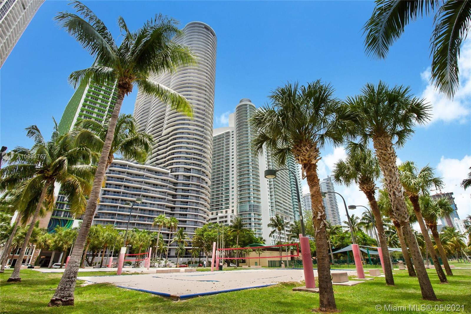 Spectacular 2 Bed + Den, 3 full Baths on Line 11, closest 2 Bedroom line to the water. Premium side