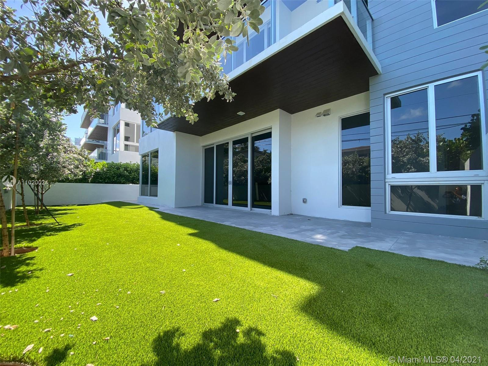 LAST DEVELOPER UNIT WITH PRIVATE BACKYARD: TOTAL AREA: 3,673 Sq.Ft. including Living Area: 2,161 Sq.